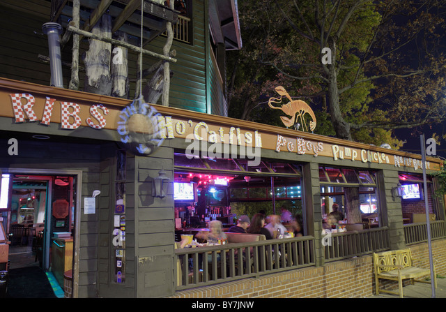 Nashville Tennessee South Street Restaurant Southern urban cuisine smokehouse business dining open-air window exterior - Stock Image