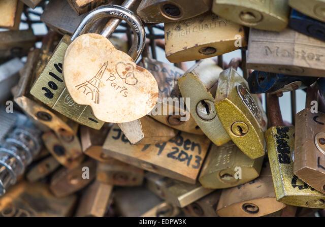 keys,padlocks,love, partners,tender, padlock,joining, together,passion,passionate,hearts,romance,attached,locked,railing,Paris - Stock-Bilder