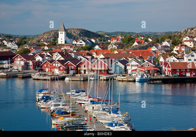Village of SkŠrhamn on island of Tjorn, Bohuslan, on West Coast of Sweden - Stock Image