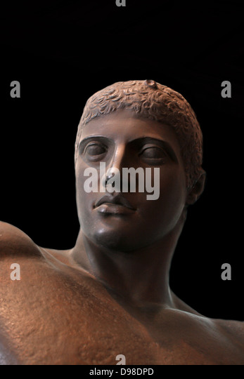 Discus Thrower Stock Photos & Discus Thrower Stock Images ...