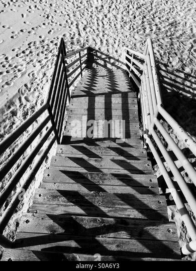 how to draw stairs going down to a beach