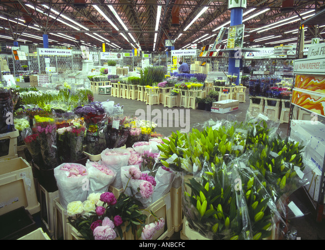 UK London New Covent Garden flower market 2001 - Stock Image