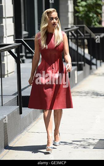 New York, NY, USA. 22nd July, 2016. Rita Ora out and about for Celebrity Candids - FRI, New York, NY July 22, 2016. - Stock-Bilder