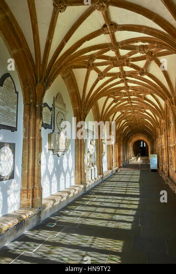 Cooridor of the the medieval Wells Cathedral built in the Early English Gothic style in 1175, Wells Somerset, England - Stock-Bilder