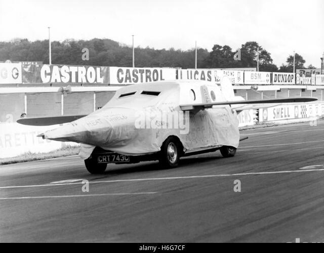BRANDS HATCH MINI AERODYNAMICS 1967 - Stock Image