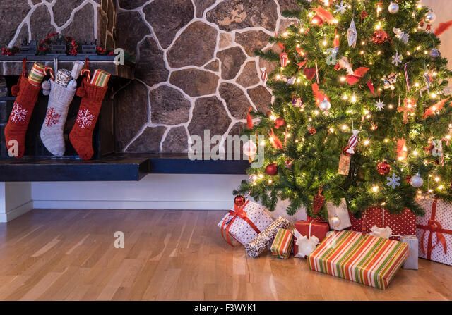 Chimney Christmas Tree Stock Photos & Chimney Christmas ...