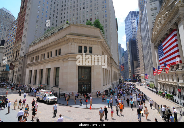 A view of the Stock Exchange on Wall Street. June 4, 2010. - Stock Image