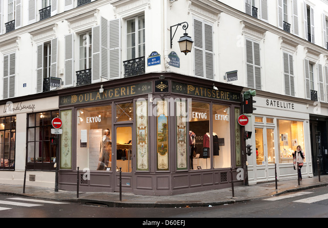 Shops in the Rue des Francs-Bourgeois in the Marais district of Paris, France - Stock Image