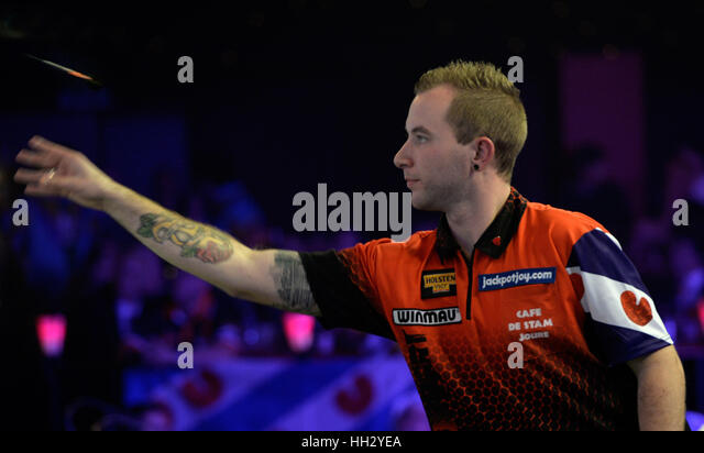 Surrey, UK. 15th January 2017. BDO Lakeside  World Professional Darts Mens Final Glen Durrant ENG v Danny Noppert - Stock Image