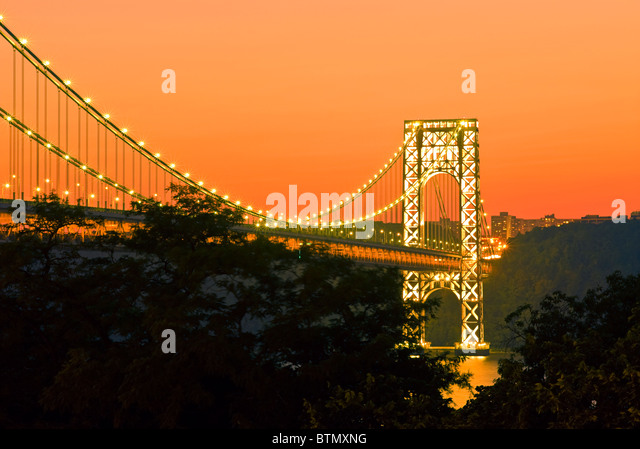 The George Washington Bridge looking across to New Jersey, at sunset from Manhattan, New York City. - Stock Image