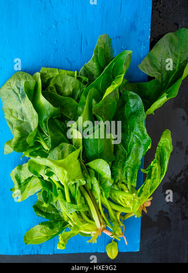 Bunch Of Spinach Stock Photos & Bunch Of Spinach Stock ...