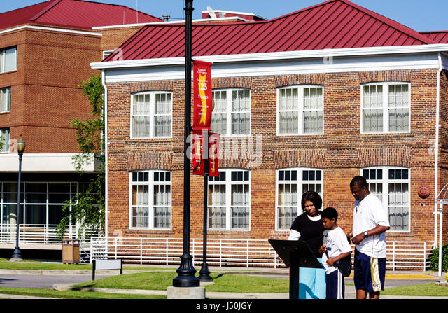 Alabama Tuskegee Tuskegee Institute National Historic Site Tuskegee University Dorothy Hall Black man woman child - Stock Image