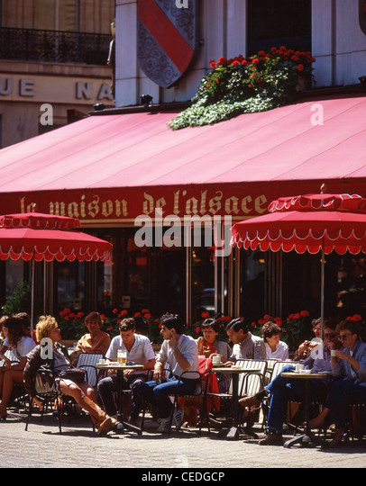 Champs elysees avenue stock photos champs elysees avenue - La maison des champs elysees ...