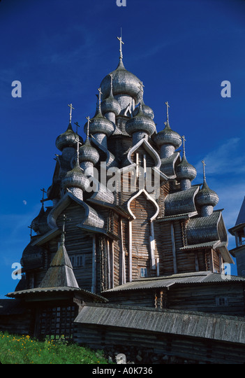 Russia former Soviet Union Karelian Region Kizhi Transfiguration Cathedral aspen wood domes no nails - Stock Image
