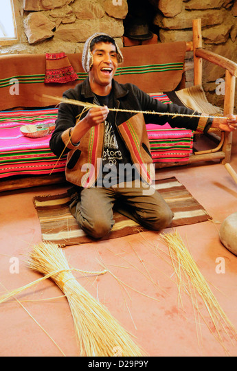 Reed Weaver Shows Results, , Peru - Stock Image