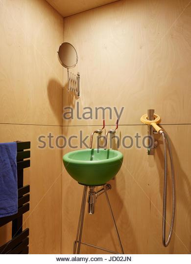 Bathroom. Studio Totnes, Totnes, United Kingdom. Architect: David Sheppard Architects, 2016. - Stock-Bilder