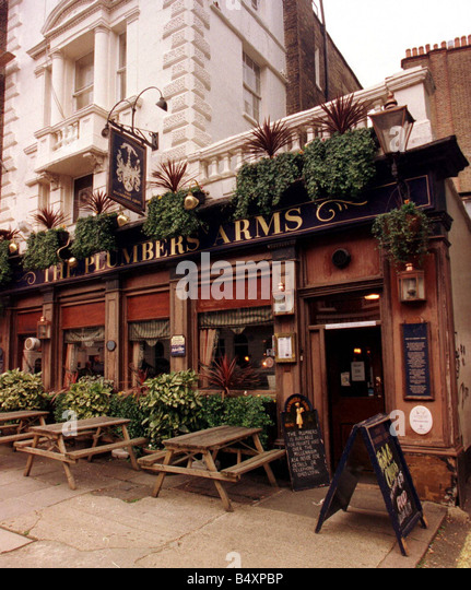 The Plumbers Arms Pub Sign November 1999 In Lower Belgrade Street where Lady Lucan ran to for help after being attacked - Stock Image