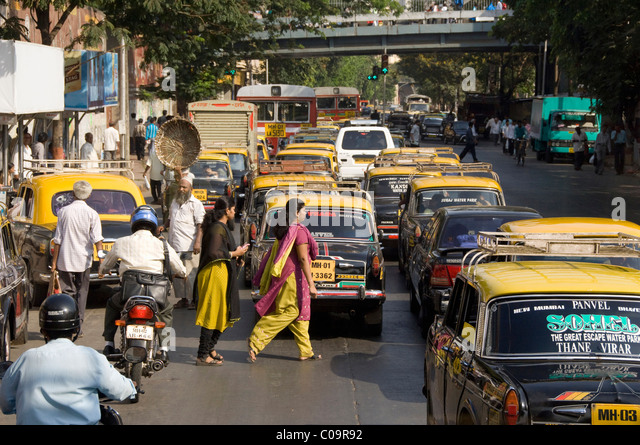 India, state of Maharashtra, Mumbai (aka Bombay). Typical commuter traffic in downtown Mumbai. - Stock Image