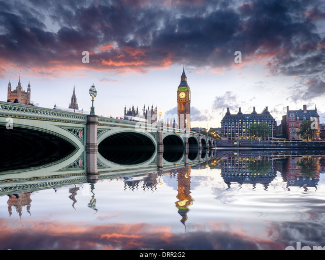 Dusk at Westminster Bridge and Big Ben in London - Stock-Bilder