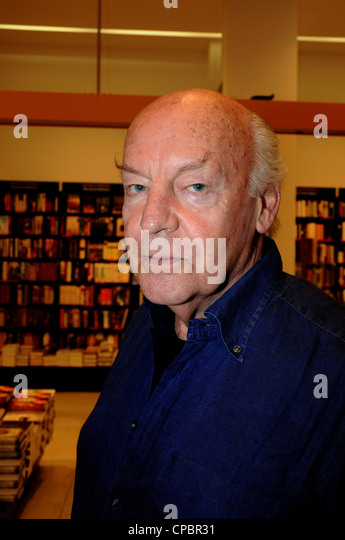 Eduardo Galeano Germain Mari Hughes (Montevideo, September 3, 1940), known as Eduardo Galeano, a Uruguayan journalist - Stock Image