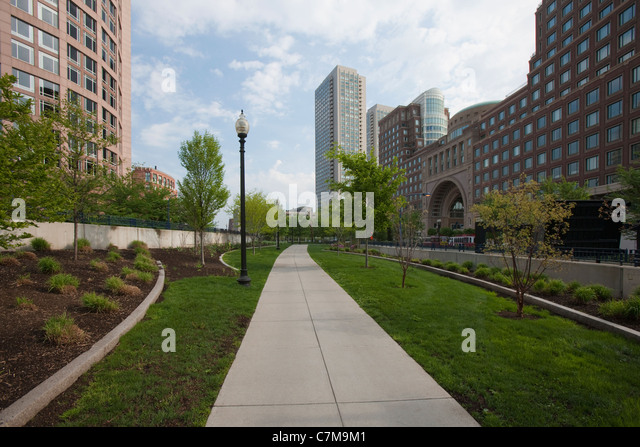 Walkway at Rose Kennedy Greenway in front of Boston Harbor Hotel, Boston, Massachusetts, USA - Stock Image