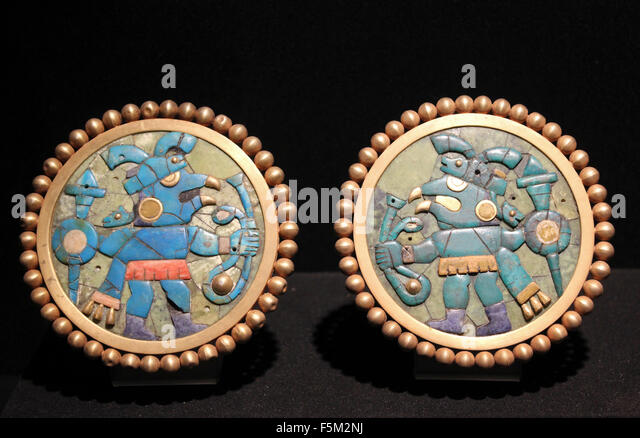 Gold Ear Ornaments Inlaid with Turquoise, Sodalite and Shell - Moche, Florescent Epoch 1 AD - 800 AD - Stock-Bilder