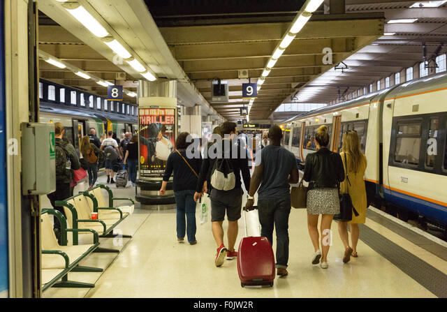 gatwick airport london euston train
