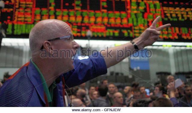 Trade bond options