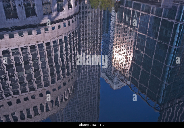 City reflections in Canary Wharf - Stock-Bilder