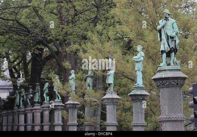 Petit sablon stock photos petit sablon stock images alamy - Statue de jardin belgique ...