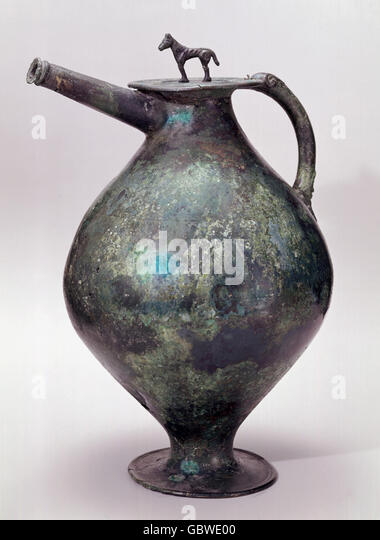 fine arts, epoch, ancient world, Etruscan, Etruscan beak flagon, bronze, Rhenish State Museum, Bonn, - Stock-Bilder