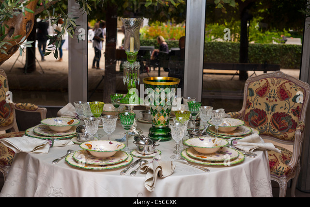 dining room french restaurant stock photos dining room french restaurant stock images alamy. Black Bedroom Furniture Sets. Home Design Ideas