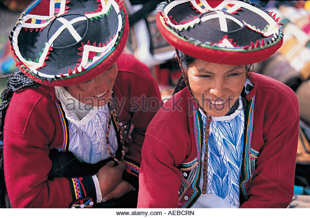 Two Indian Women Market Chinchero Sacred Valley nr Cuzco Peru - Stock Image