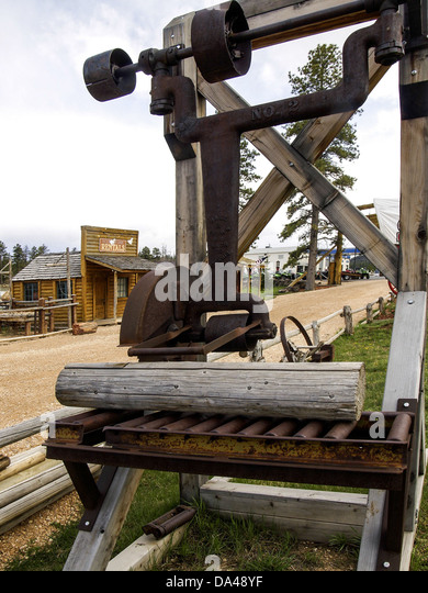 antique table saw tool wood cutting machine - Stock Image