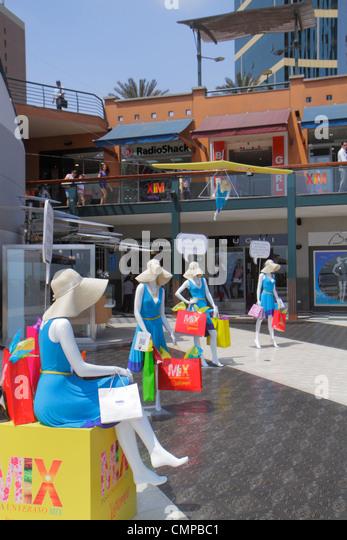 Peru Lima Miraflores Malecon de la Reserva Larcomar shopping lifestyle center centre display mannequin marketing - Stock Image