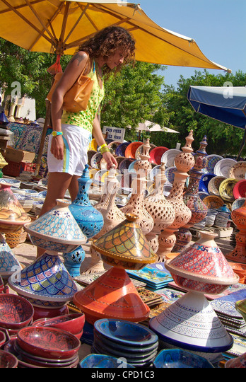 Pottery products on market at Houmt Souk, Island Jerba, Tunisia, Africa - Stock Image