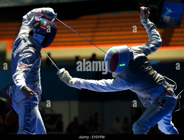 Moscow, Russia. 19th July, 2015. BALDINI Andrea of Italia and CADOT Jeremy of France compete during the men's - Stock-Bilder