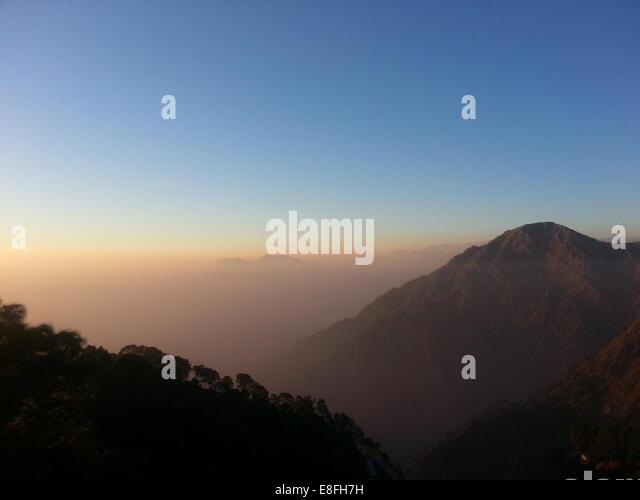 India, Katra, Jammu, Mountains at sunset - Stock-Bilder