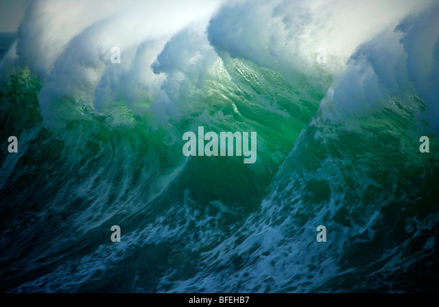 Huge wave off the coast of Vancouver Island, British Columbia, Canada - Stock-Bilder