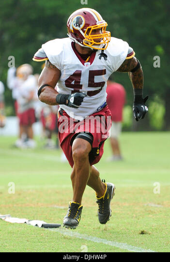 Aug. 04, 2010 - Ashburn, Virginia, United States of America - 03 August 2010: FB Mike Sellers #45 during passing - Stock Image