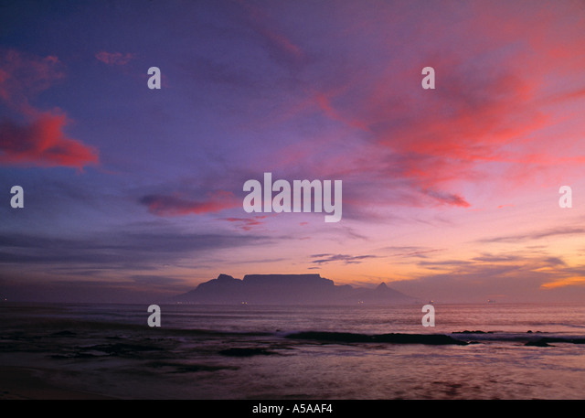 Table Mountain & Cape Town fr. Bloubergstrand, South Africa - Stock-Bilder