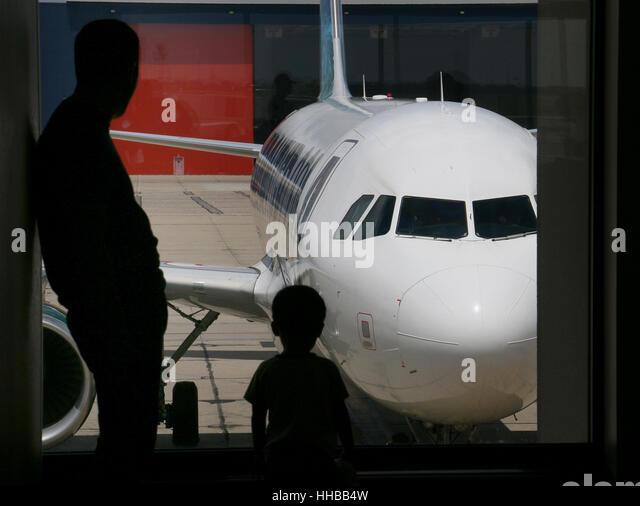 ... airport airport cigarette smoking lounge cincinnati smoker area smoke