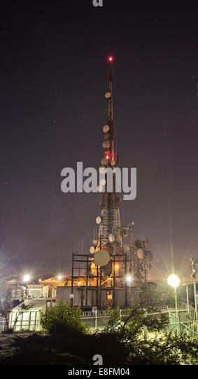 USA, California, Los Angeles, Radio Tower on top of Hollywood Hill - Stock-Bilder