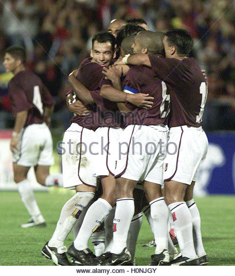 Venezuela celebrates their first goal against Bolivia in friendly match  in Caracas August 21, 2002. Venezuela beat - Stock Image