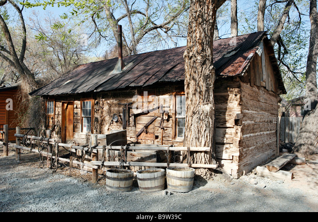 Ranch style house stock photos ranch style house stock for Utah log cabins