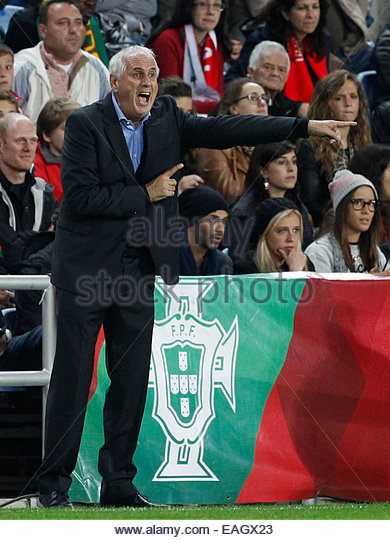 Algarve, Portugal. 14th November, 2014. PORTUGAL, Faro: Armenia's head coach Bernard Challandes reacts during - Stock Image