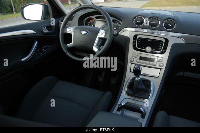 Ford S-MAX 2.0 TDCI - 2006 - black metallic - five doors (5D) - Popular German MPV (minivan) - interior, dashboard, - Stock Image