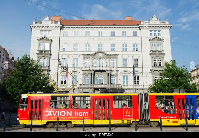 Street tram, Czech Supreme Court, Brno, South Moravia, Czech Republic - Stock-Bilder