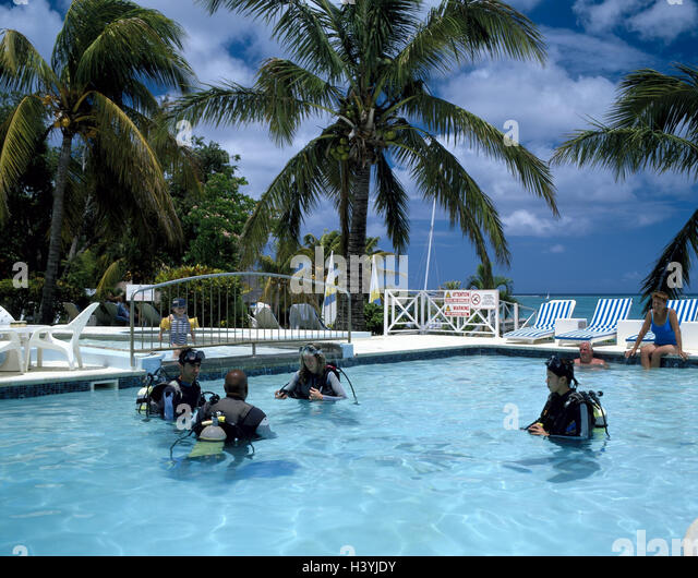 Diving course stock photos diving course stock images for Swimming pool mauritius