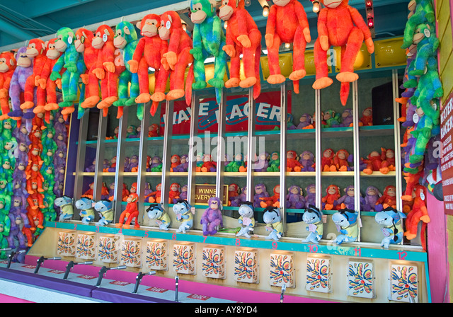 Santa Monica California, pier, games, boardwalk excitement, outdoors, adult, child, children, recreation, prize - Stock Image